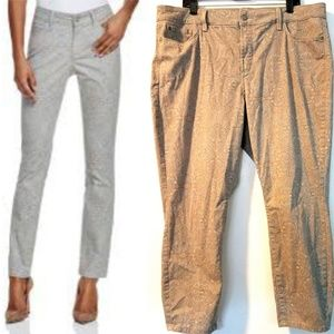 18W NYDJ Alina Legging Jeans in Gray Paisley Print